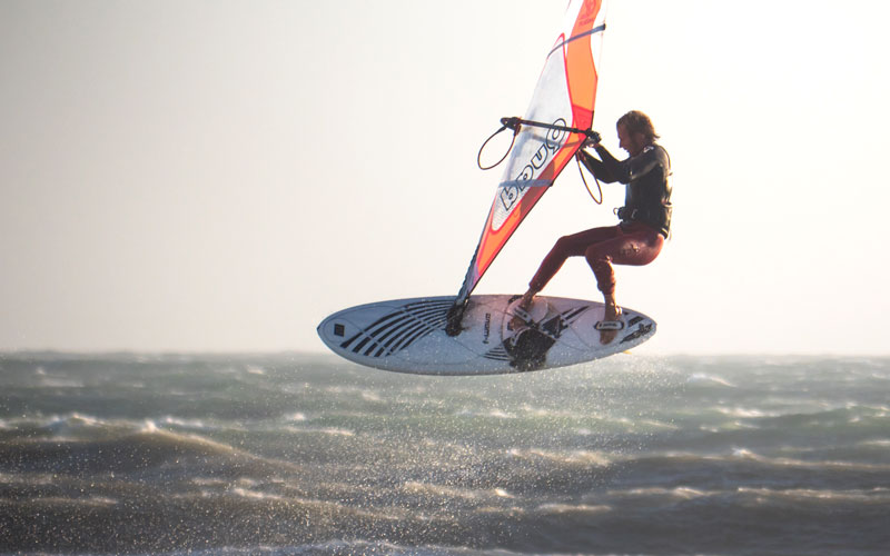 WINDSURFERS Quick-Test: Ride Engine Carbon Elite 12k