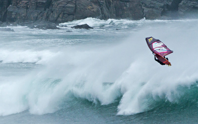 Dare the world: Windsurfen und Abenteuer as its best in Schottland mit Leon Jamaer