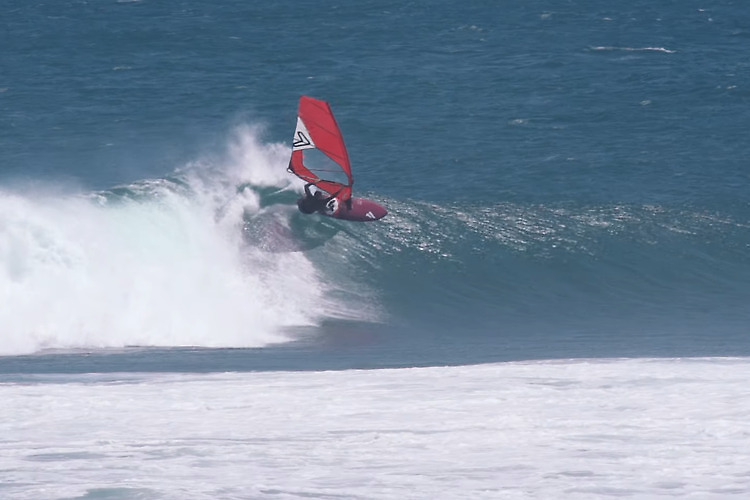 Gerroa Mast High Surf - Justin Spencer & Co